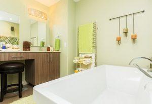 Mad Renovations Calgary - bathroom reno example
